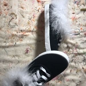 Shoes w/fur